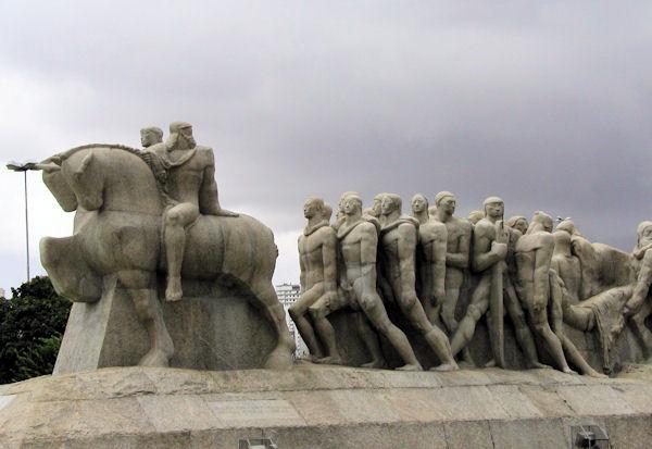 StatueInSaoPaulor