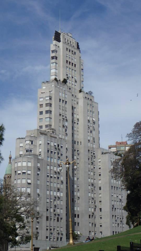 First skyscraper in Latin America