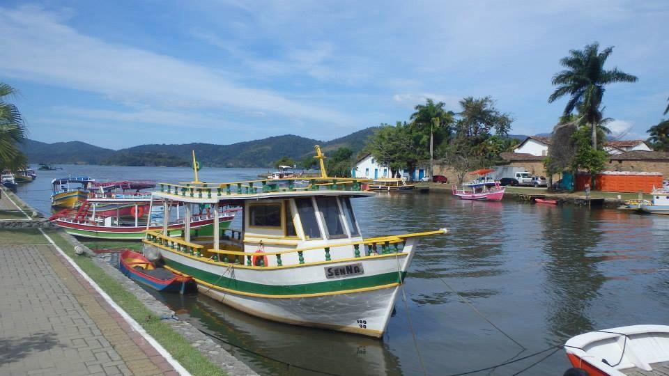 Paraty boat